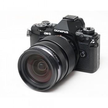 OLYMPUS E-M5 MK II +...
